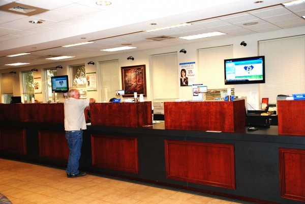 Digital Signage In Banking & Financial - Electronic Display Networks